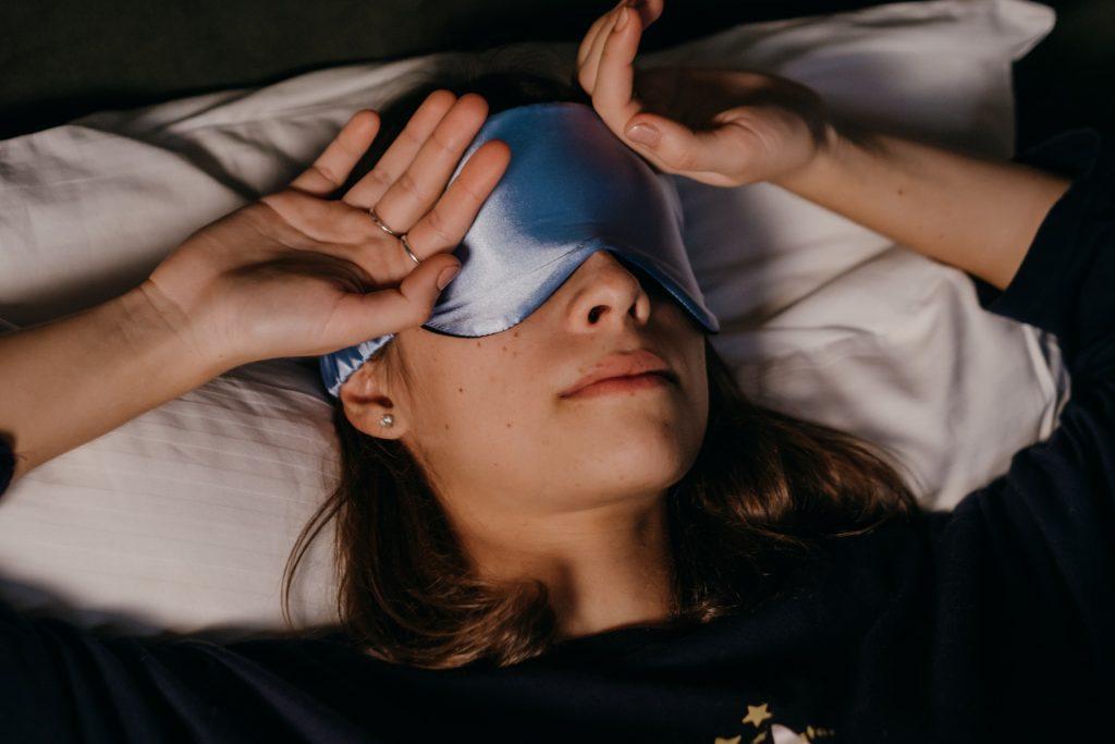 spavanje i snovi online terapija